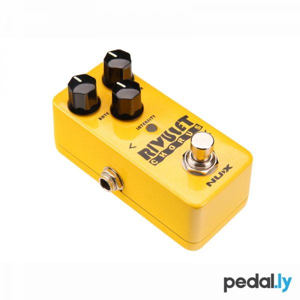 NUX Rivulet chorus pedal from Pedally side view